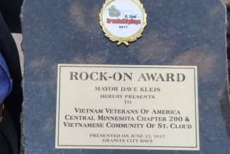 Chapter 290 Rock On Award
